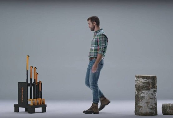 Come scegliere l'ascia perfetta per spaccare la legna